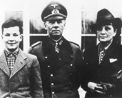 Rommel with his wife and daughter